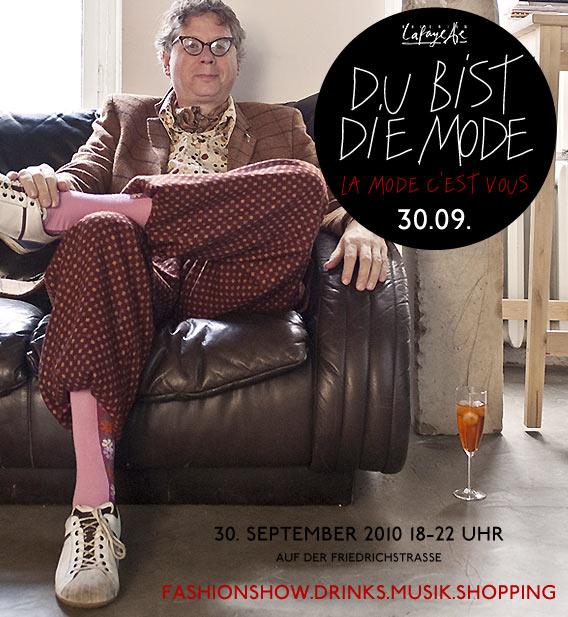 JOOST ist die Mode - am 30.09. bei DU BIST DIE MODE vor den Galeries Lafayette Berlin auf der Friedrichstraße