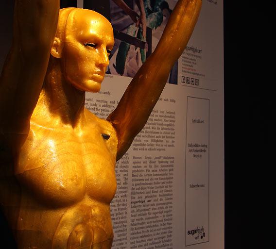 sugarhigh gestaltet Schaufenster bei Galeries Lafayette Berlin