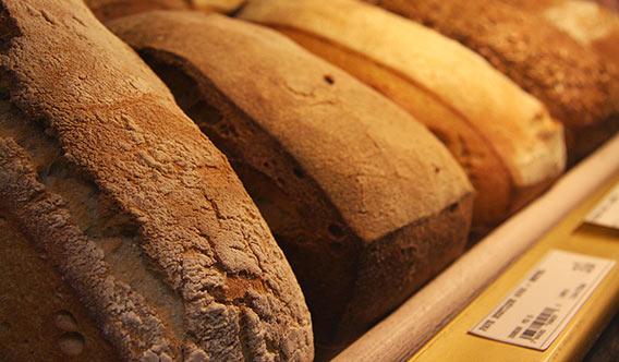 PAVÉ Brot im Lafayette Gourmet Berlin
