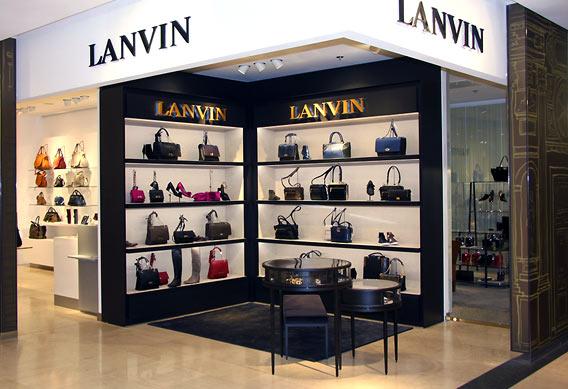 Lanvin Accessoires bei Galeries Lafayette Berlin