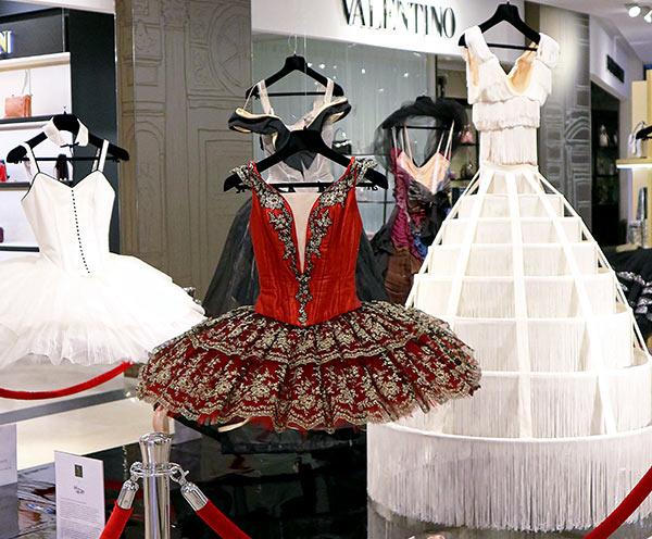 GLafayetteB17-Tutu-Exhibition_web2